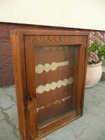 Antik Art Deco kulcsos szekrényke az 1930-as évekből jó állapotban