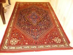 Iráni kézi csomozású perzsaszőnyeg
