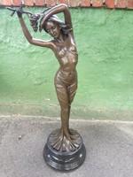 Aldo Vitaleh csidálatos art novo bronz női félakt, 84 cm magas.
