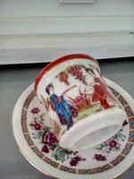 Porcelán, váza és csésze