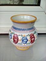 Kerámia váza, kézzel festett