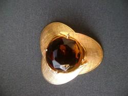 Szépséges antik  tűzaranyozott  bross nagy  töltött rubinnal cca 30 ct