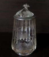 Antik csiszolt üveg vadászkupa, 1897