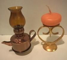 Régi kis méretű petróleum lámpa hozzá kis aranyozott gyertyatartóval egyben.