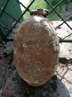 Butella 1892 és évszámmal, szöveggel. Ónodi