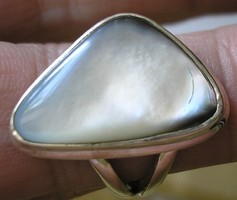 925 ezüst gyűrű 18,1/56,8 mm, kagylóhéj szelettel
