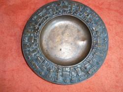 Iparművészeti jelzett bronz tálka