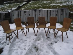 Faragott vadász székek.