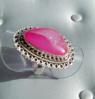 Sötétpink különleges druzin kővel  díszített ezüst gyűrű (USA 7,5-ES)