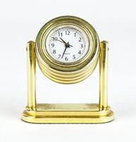 0R166 Kisméretű Quartz asztali óra