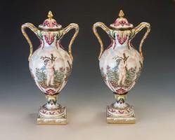 Capodimonte fedeles váza párban