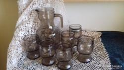 6 szemelyes fustszinu  üveg készlet kancsóval