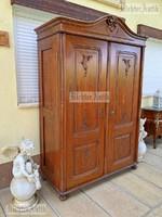 Antik bútor, BécsiBarokk szekrény.