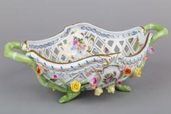 Herendi Bouquet de Saxe mintás áttört kosár plasztikus rózsákkal