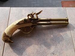 Régi pistol 17.sz. masolat