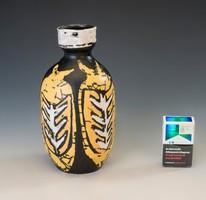 Gorka Lívia: Halas váza