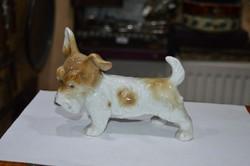 Német porcelán kutya figura