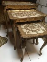 Antik firenzei barok 3 egymásba tolható asztal