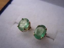 Tömör arany fülbevaló, látványos smaragd kövekkel