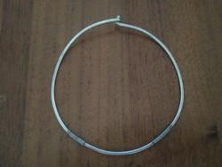 Merev ezüst nyaklánc, kis méretű