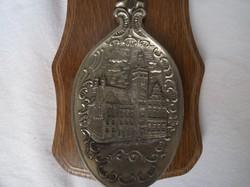 Fém - Díszkanál - 1993. Évszámozott ón kanál, keményfa tartóval, 23 x 12 cm - Német