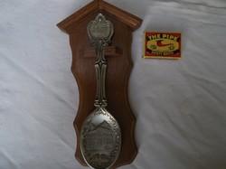 Díszkanál - 2007. Évszámozású ón kanál, keményfa tartóval, 23 x 12 cm - Német