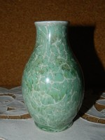 Hollóházi zöld lüszter mázas váza.