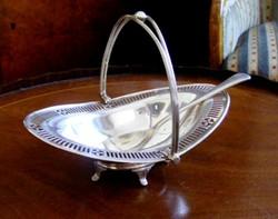 Gyönyörű, ezüstözött antik, áttört szélű, lehajtható fülű, négylábú, ovális, cukorkínáló asztalközép