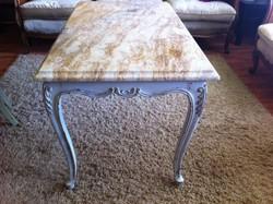 Vintage barokk szalon asztal, márvány lappal