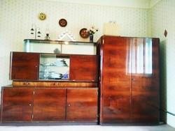 Kiválló állapotú két részes vitrines szekrény eladó