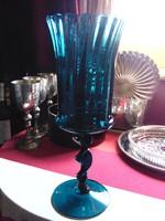 Hatalmas kék üveg kehely