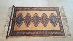Pakisztáni kézi csomózású selyemperzsa szőnyeg