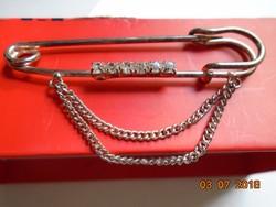 Látványos Strasszköves láncos ezüstözött acél nagyobb bross tű,kitűző tű VINTAGE