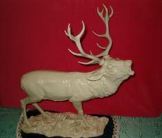 Rosenthale szarvas szobor