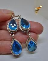 Gyönyörű kék köves ezüstözött fülbevaló