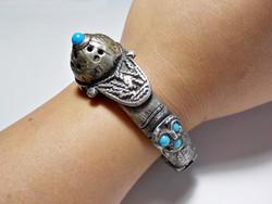 Antik ezüstözött karék türkiz hatású kövekkel