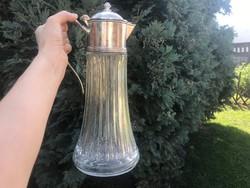 Nagy ezüstözött tetejű üveg karaffa, 1,5 l.
