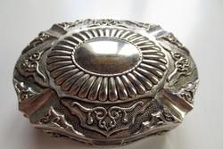 Vastagon ezüstözött ékszertartó dobozka