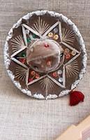 Sombrero kalap, kézi készítésű, eredeti mexikói kis méretű szuvenír hozzá legyezővel