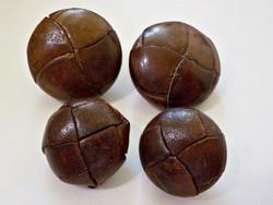 Antik bőrből készült gombok 2 kicsi 2 nagy