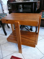 Különleges, régi három lábú Art Deco asztalka stabil állapotban