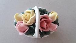 Porcelán dísz rózsakosár vintage rózsás kosár 8 cm
