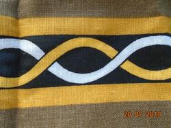 Tradicionális ír mintákkal avatatlan len törölköző-75x49 cm