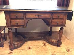 Diófa íróasztal