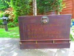 Hatalmas, antik feliratos, kínai láda, keleti, távol-keleti, ázsiai