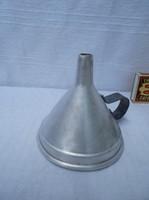 Fém - régi, alumínium, kicsi tölcsér, 8 x 7 cm