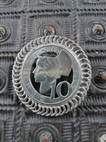 Ezüst osztrák shillingből készült különleges medál és bross egyben