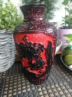 Keleti faragott kerámia váza