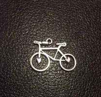Ezüst színű bizsu medál, kerékpár (NB)
