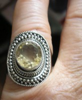 925 ezüst gyűrű, 18,8/59 mm, természetes, fazettált citrinnel